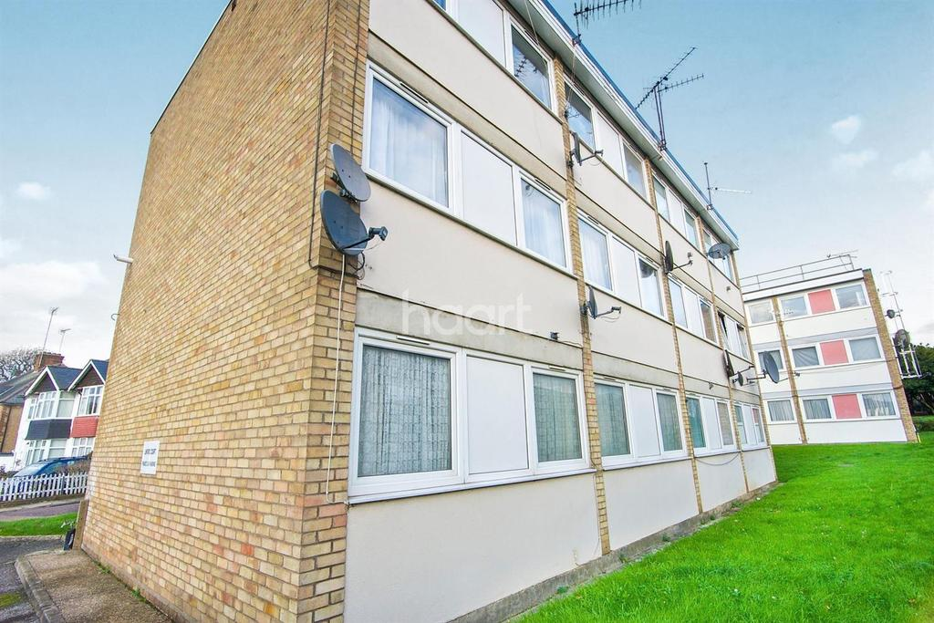 1 Bedroom Flat for sale in Linford Court, Elmwood Crescent, NW9 0NP