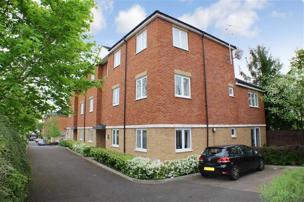 2 Bedrooms Flat for sale in Sanders Place, St Albans, Hertfordshire
