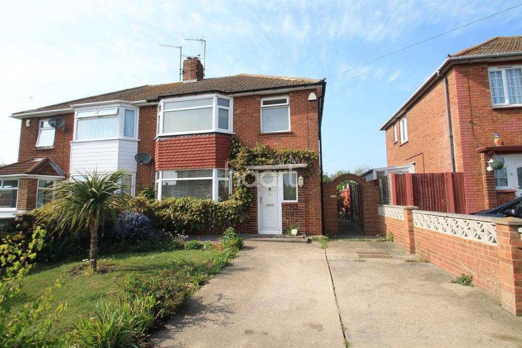 3 Bedrooms Semi Detached House for sale in Hawthorne Avenue, Sheerness