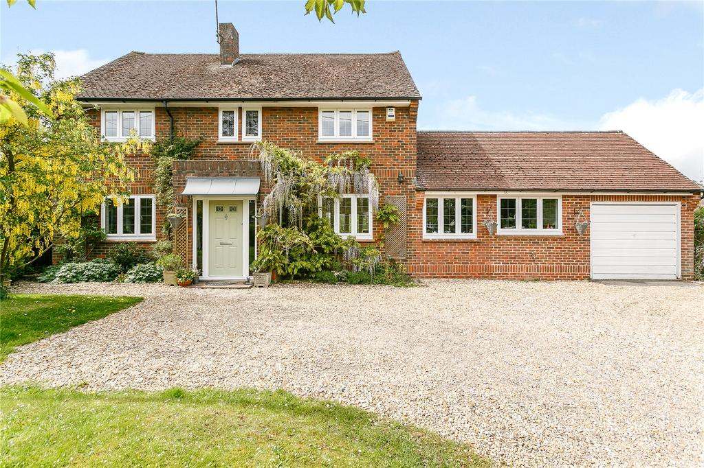 5 Bedrooms Detached House for sale in Station Road, Bentley, Farnham, Surrey