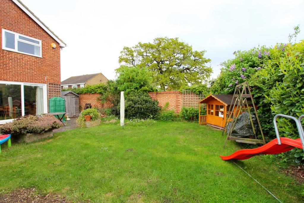 4 Bedrooms Detached House for sale in Kinloch Chase, Witham, Essex, CM8