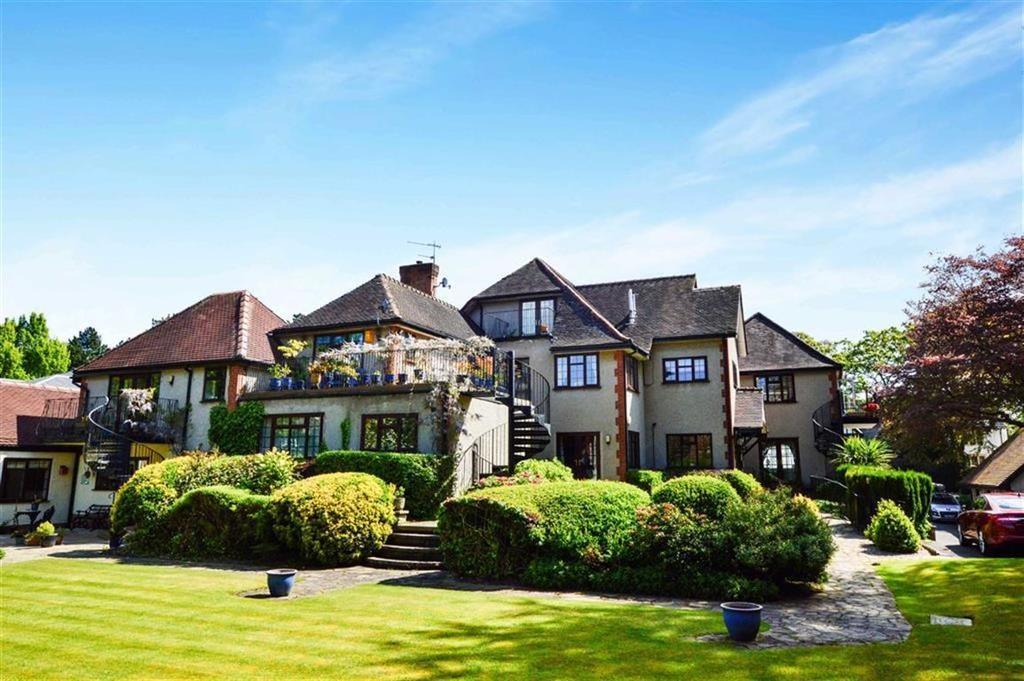 3 Bedrooms Apartment Flat for sale in Broad Lane, Hale, Cheshire, WA15