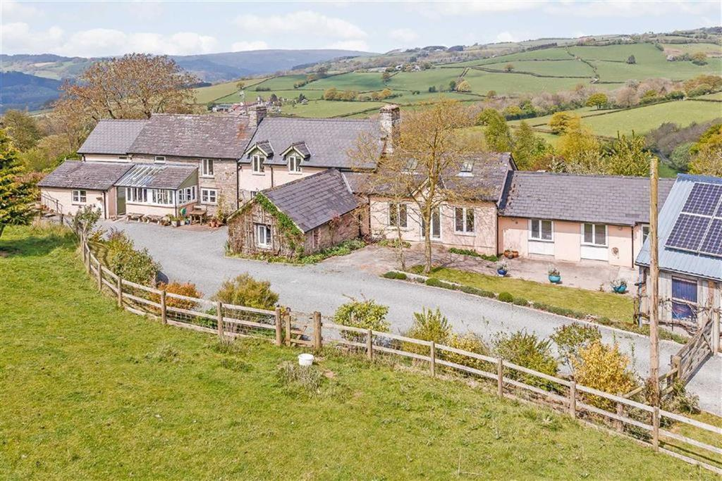 4 Bedrooms Unique Property for sale in Boughrood, Boughrood, Nr Brecon, Powys