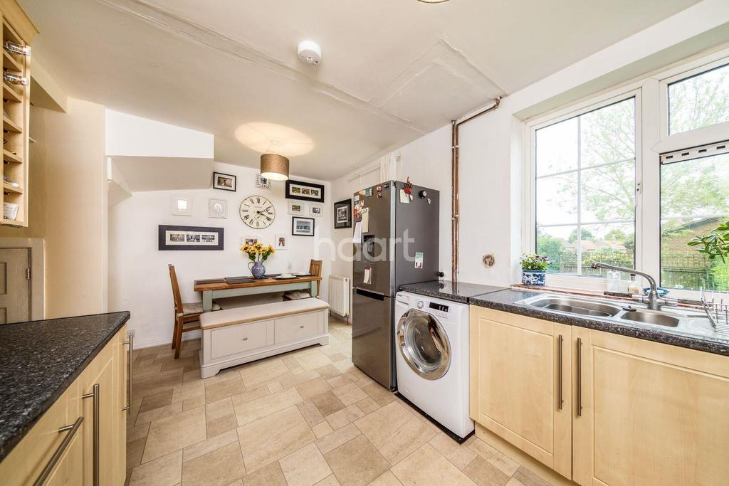 3 Bedrooms End Of Terrace House for sale in Barnfield Road