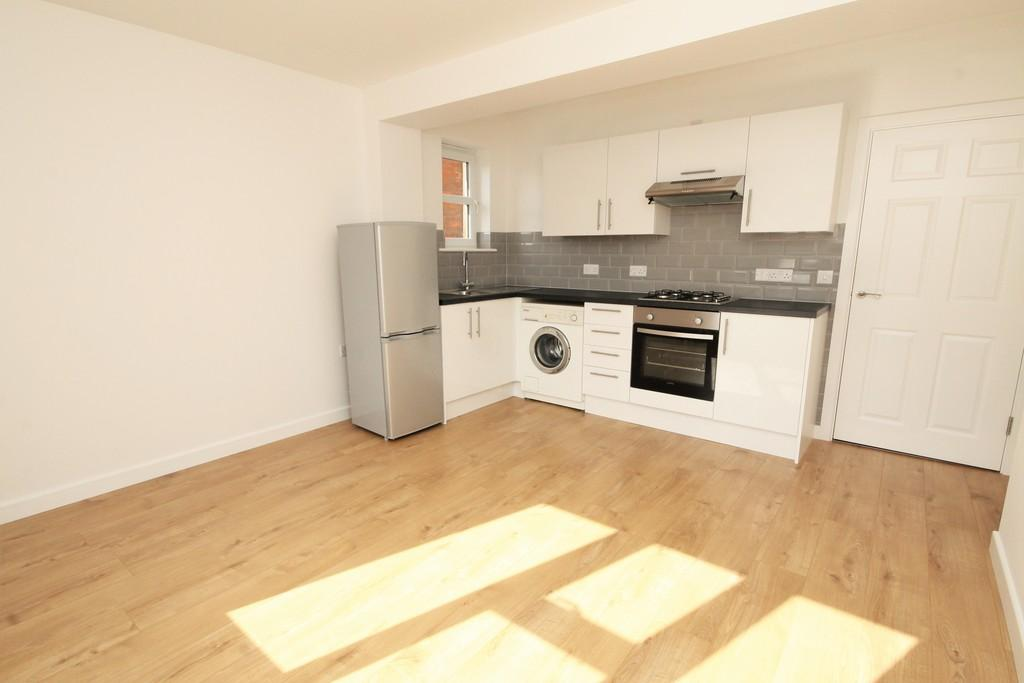 1 Bedroom Flat for rent in Clarence Building, Avenue Road, Freshwater, Isle Of Wight, PO40
