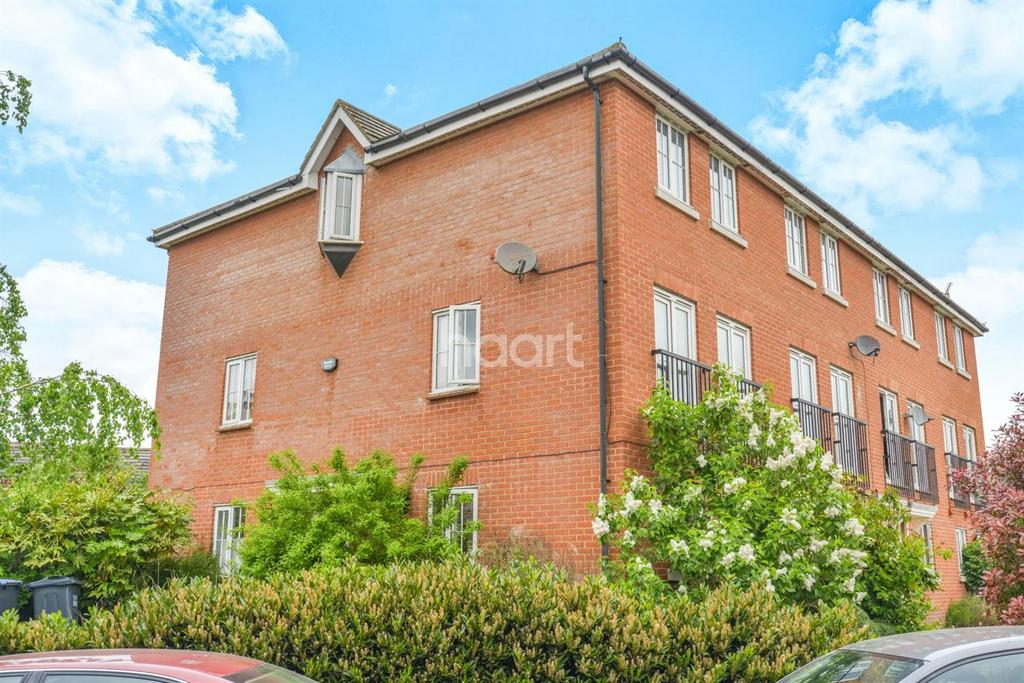 3 Bedrooms End Of Terrace House for sale in Cunningham Avenue