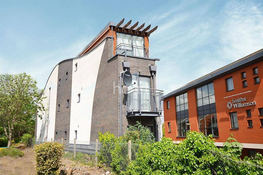 Studio Flat for sale in Central Guildford, Surrey