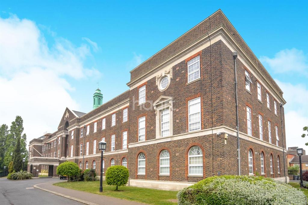2 Bedrooms Flat for sale in Chartwell Court, Brook Road, NW2