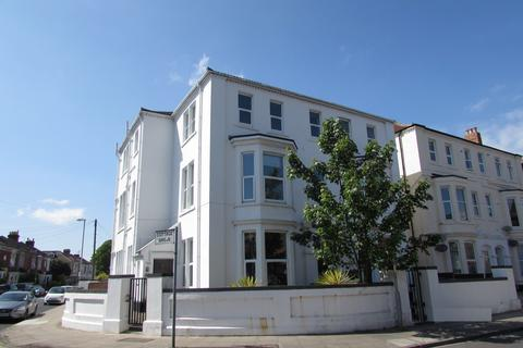 2 bedroom property to rent - St Andrews Road, Southsea, PO5