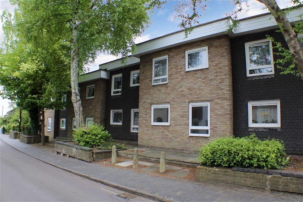 1 Bedroom Flat for sale in Malthouse Court, St Albans, Hertfordshire