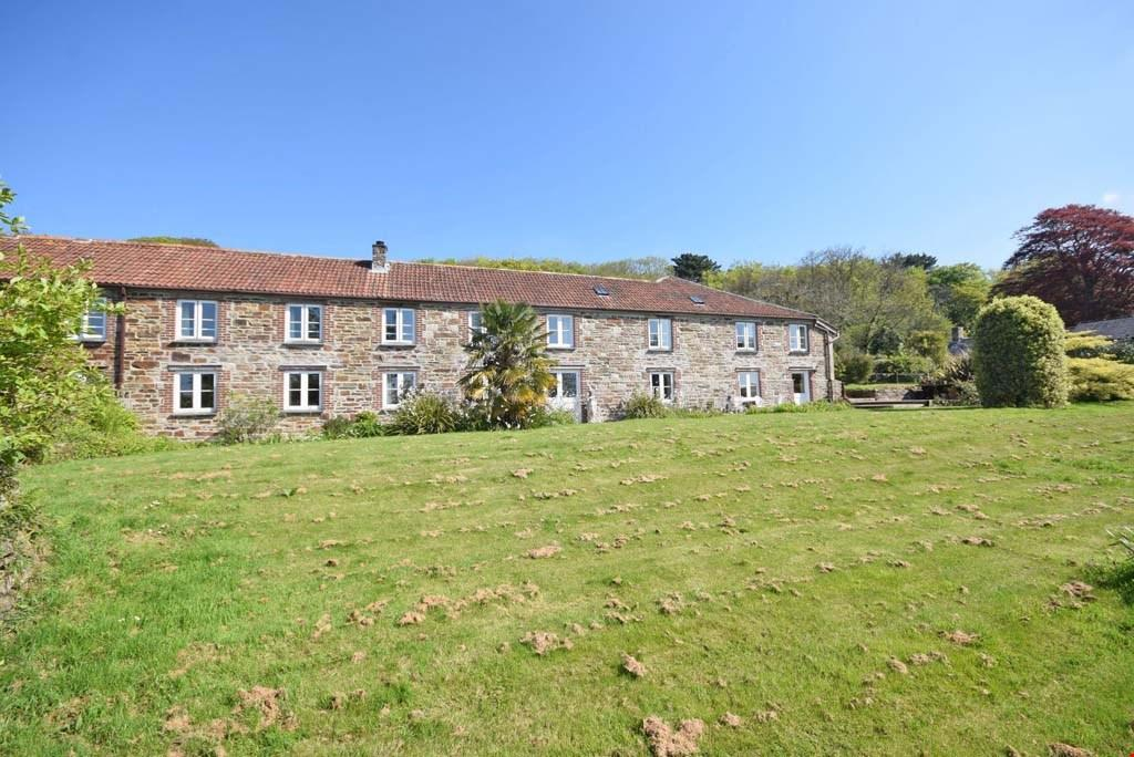 5 Bedrooms Semi Detached House for sale in Grampound Road, Truro, Cornwall, TR2
