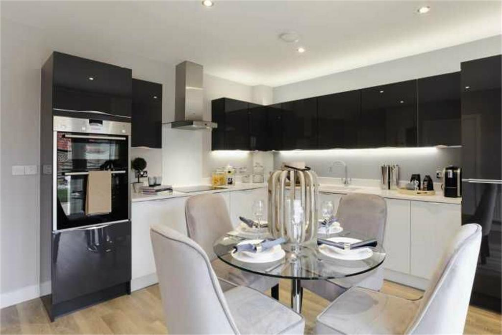 5 Bedrooms Detached House for sale in Botley, Southampton, Hampshire