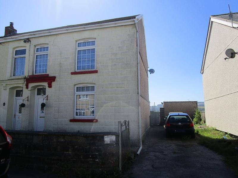 3 Bedrooms Semi Detached House for sale in Heol Eglwys , Coelbren, Neath, Neath Port Talbot.