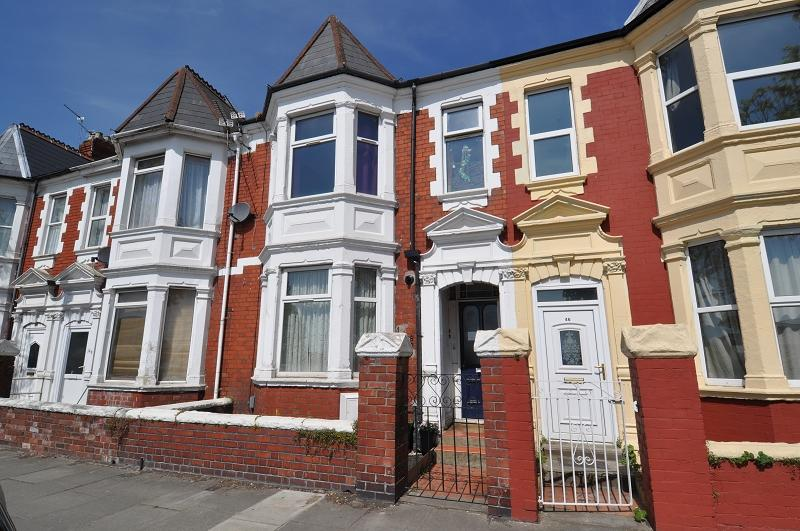 4 Bedrooms Semi Detached House for sale in 45 Broad Street, Barry, Vale of Glamorgan. CF62 7AD