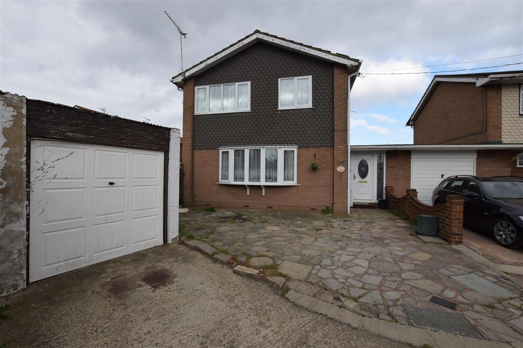 4 Bedrooms Detached House for sale in Beck Road, Canvey Island