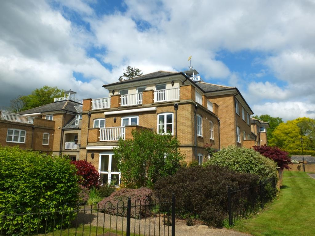 2 Bedrooms Retirement Property for sale in Hett Close, Ardingly, RH17