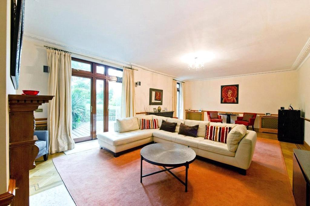 5 Bedrooms Detached House for rent in Highfields Grove, Highgate, London
