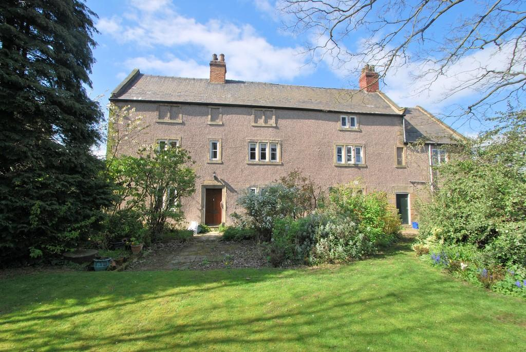 4 Bedrooms Farm House Character Property for sale in Hall Farm, Rawmarsh, S62