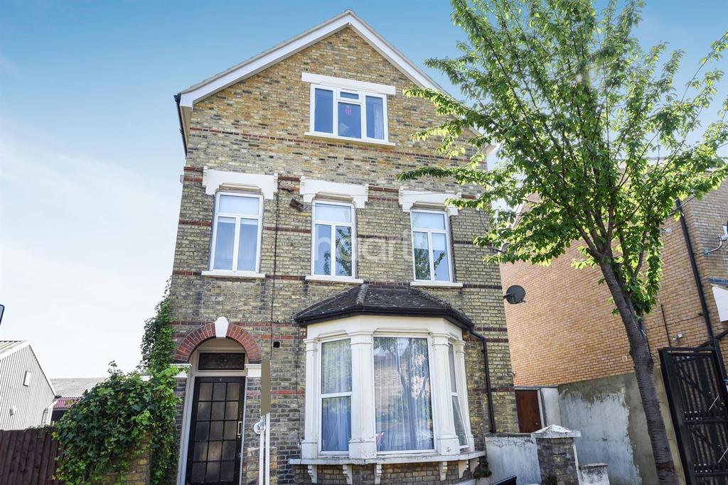 Studio Flat for sale in Borough Hill, Croydon, CR0
