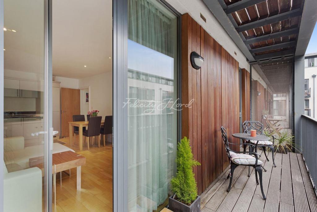 1 Bedroom Flat for sale in City Walk, SE1