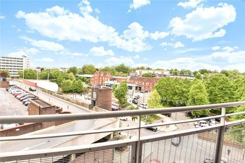 2 bedroom flat for sale - Crown Heights, Alencon Link, Basingstoke, Hampshire, RG21