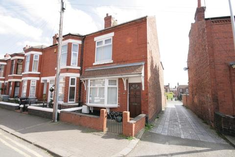 2 bedroom end of terrace house to rent - Catherine Street, Crewe