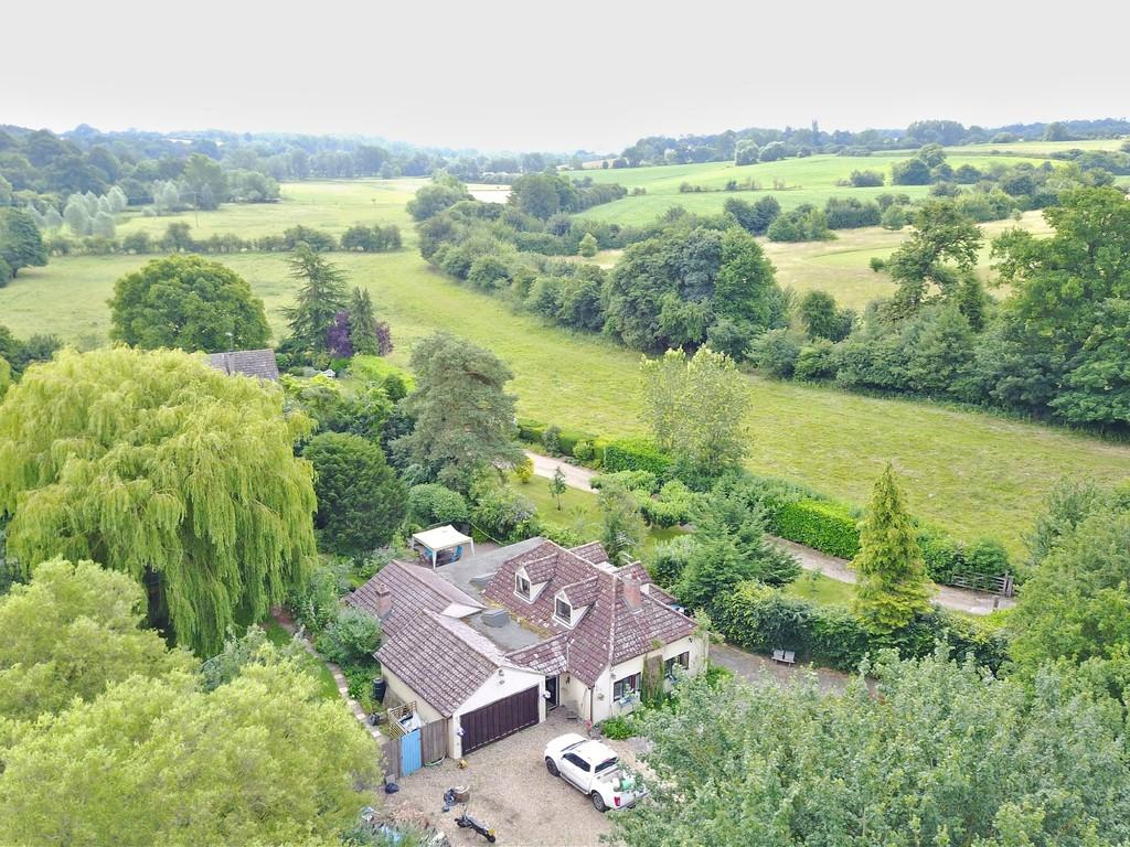 4 Bedrooms Detached House for sale in Studlands, Mill Street, Polstead, Colchester. CO6 5AD