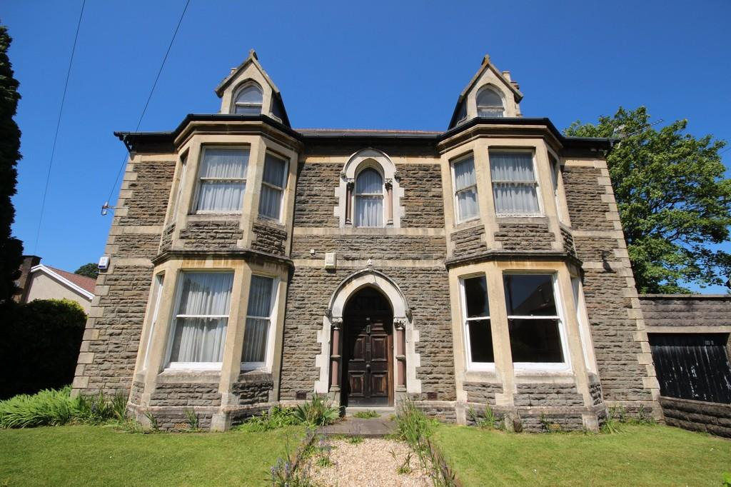3 Bedrooms Ground Flat for sale in Church Road, Whitchurch, Cardiff