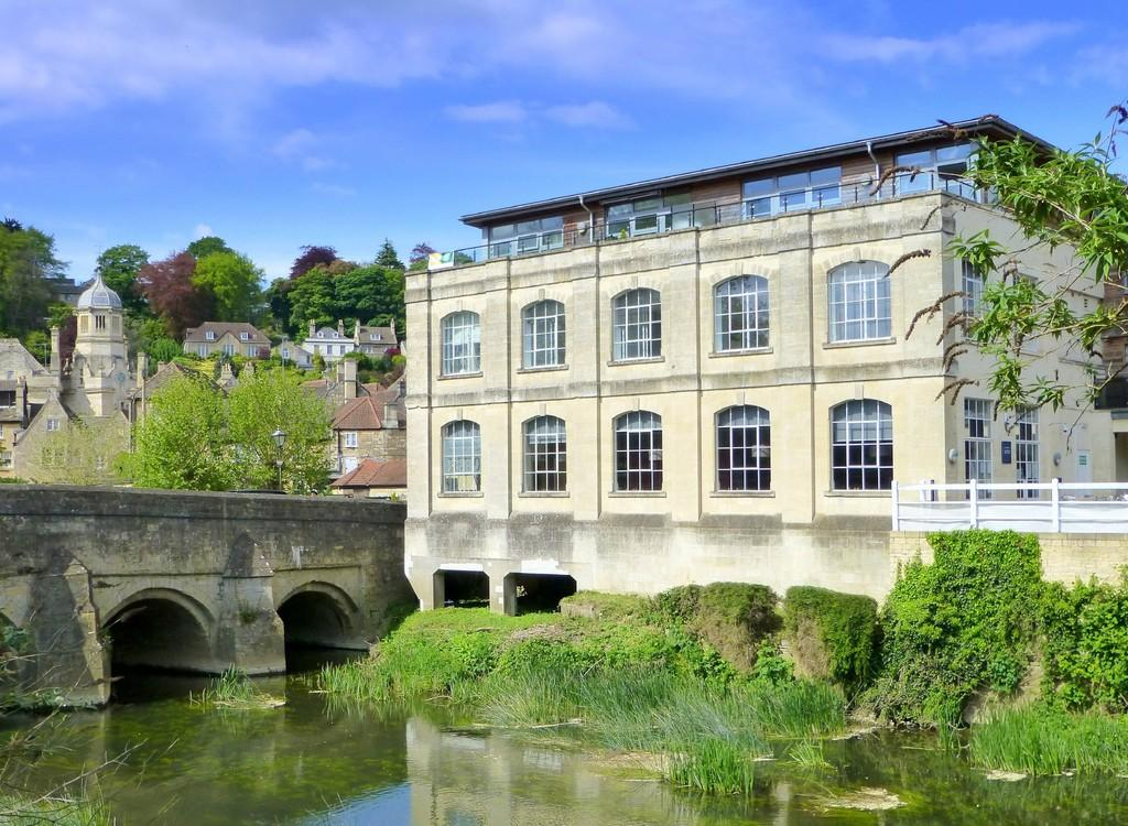 2 Bedrooms Apartment Flat for sale in Silver Street, Bradford On Avon