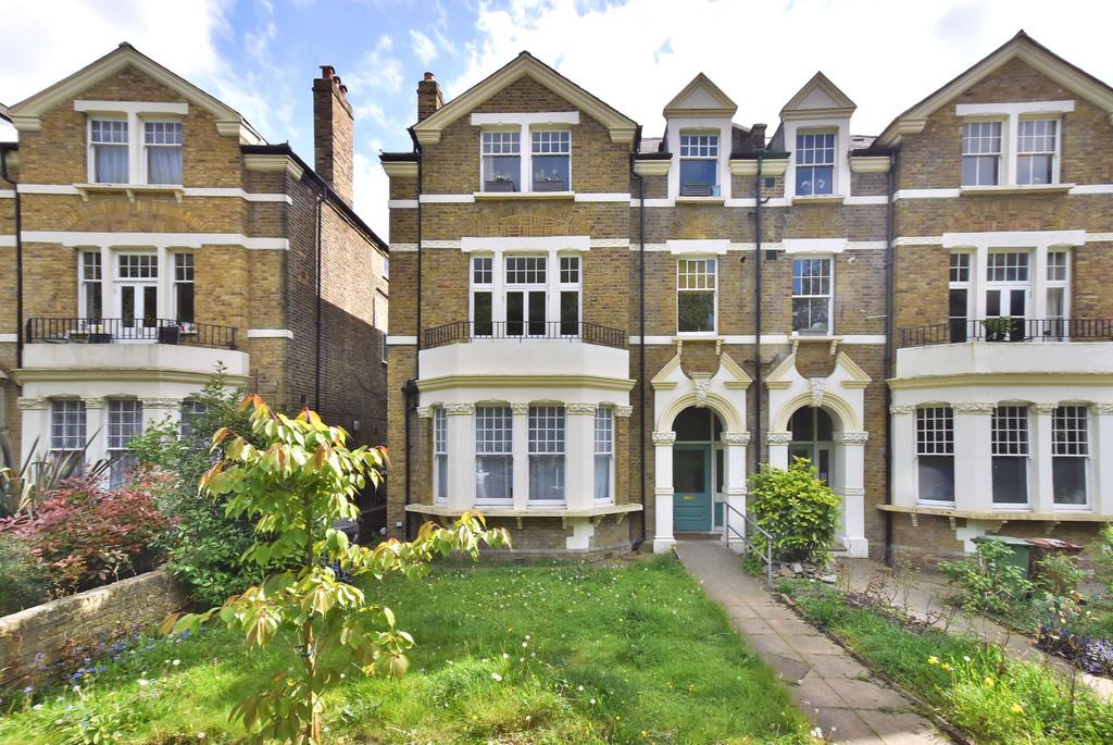 2 Bedrooms Flat for sale in Lewisham Park SE13