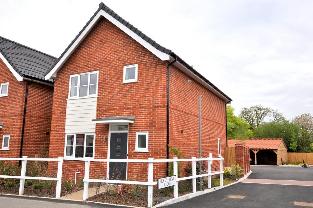 3 Bedrooms Detached House for sale in Holly Grove, Alderholt, Fordingbridge, BH24 1AG