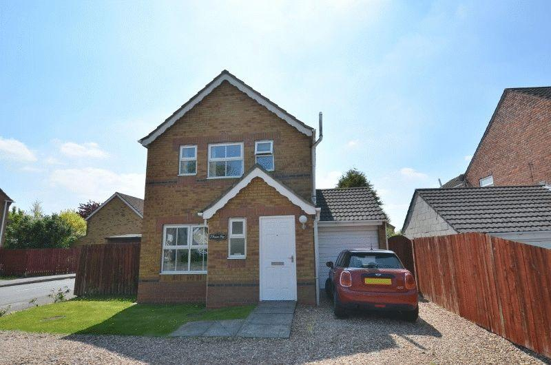 3 Bedrooms Detached House for sale in Roman Way, Scunthorpe