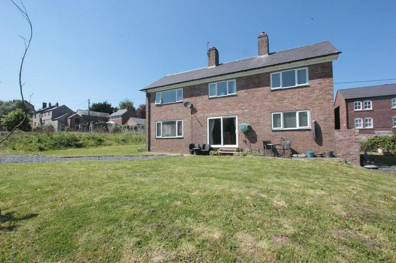 4 Bedrooms Detached House for sale in Park Street, Denbigh