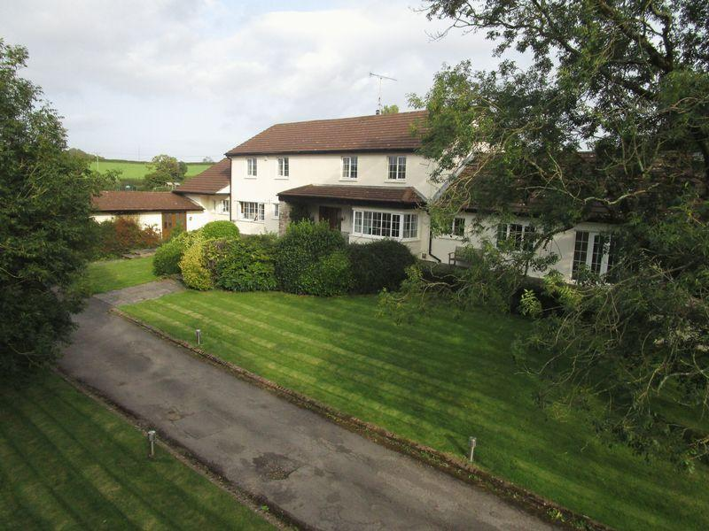 5 Bedrooms Detached House for sale in Greendown, Bonvilston, Vale of Glamorgan CF5 6TQ