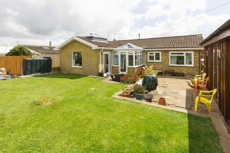3 Bedrooms Bungalow for sale in Ashley
