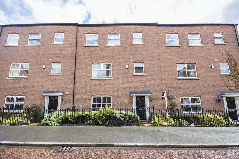 4 Bedrooms Terraced House for sale in Featherstone Grove, Great Park, Newcastle upon Tyne