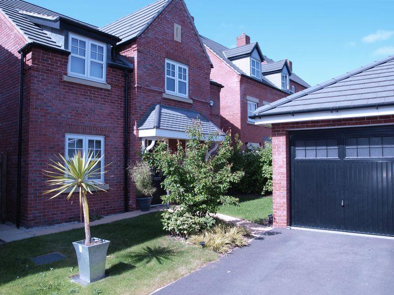 4 Bedrooms Detached House for sale in Starkey Close, Winnington, CW8 4SF