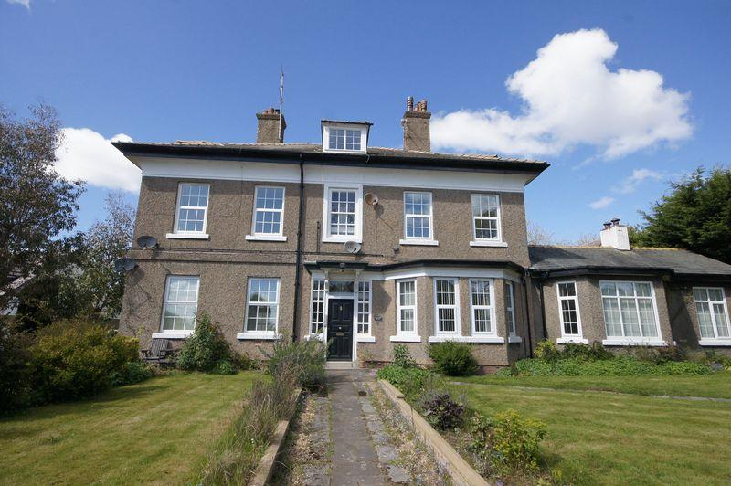 2 Bedrooms Apartment Flat for sale in Halyard House, Lower Heswall