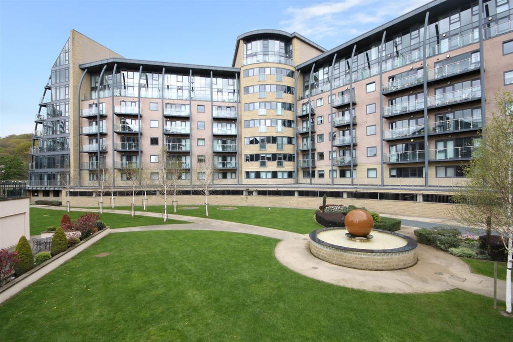 1 Bedroom Apartment Flat for sale in Salts Mill Road, Shipley