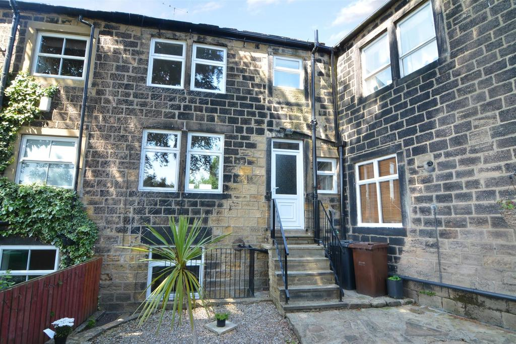 3 Bedrooms Terraced House for sale in Low Green