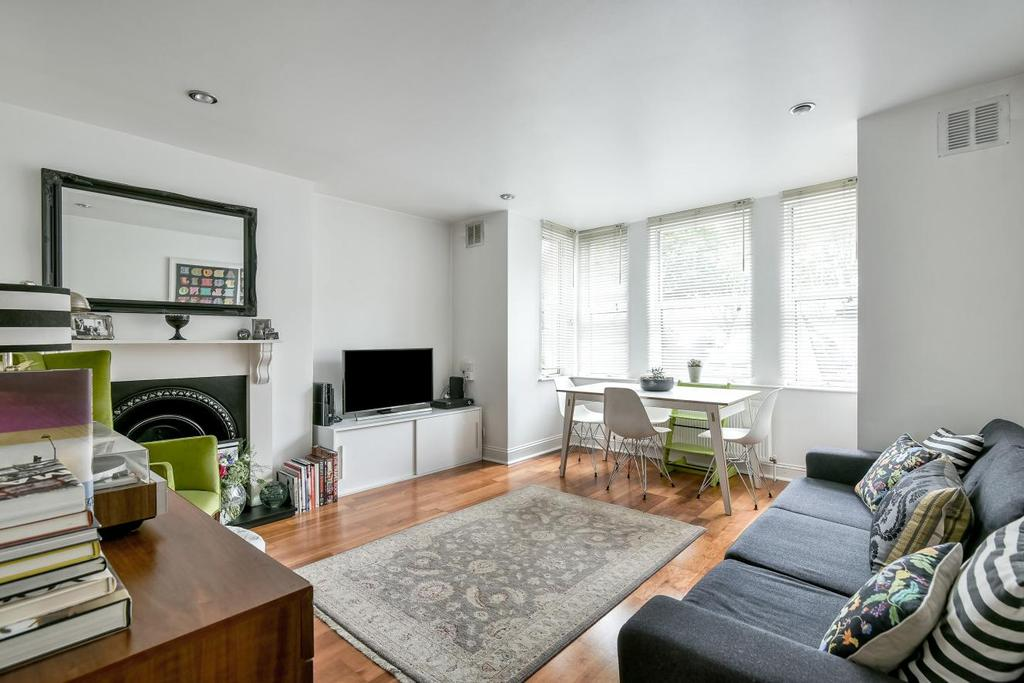 3 Bedrooms Flat for sale in Norwood Road, Herne Hill, SE24