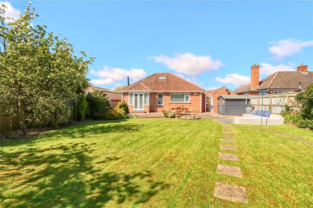 2 Bedrooms Detached Bungalow for sale in Cambridge Avenue, Marton