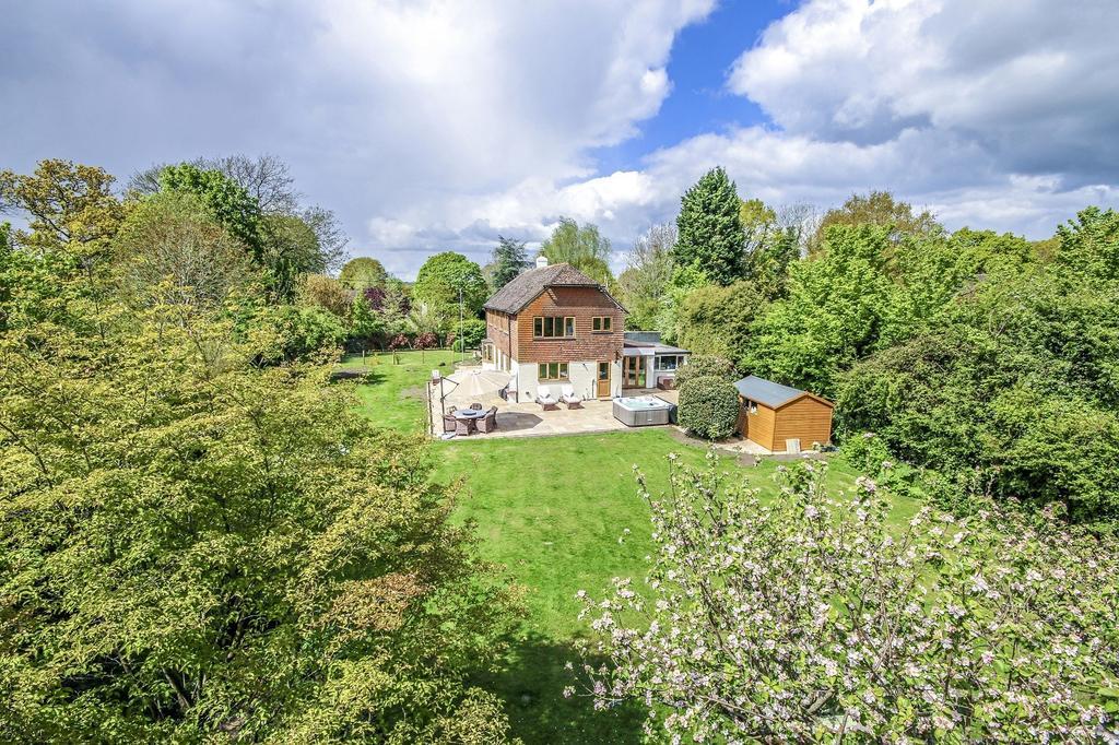4 Bedrooms Detached House for sale in Billingshurst Road, Ashington, West Sussex RH20