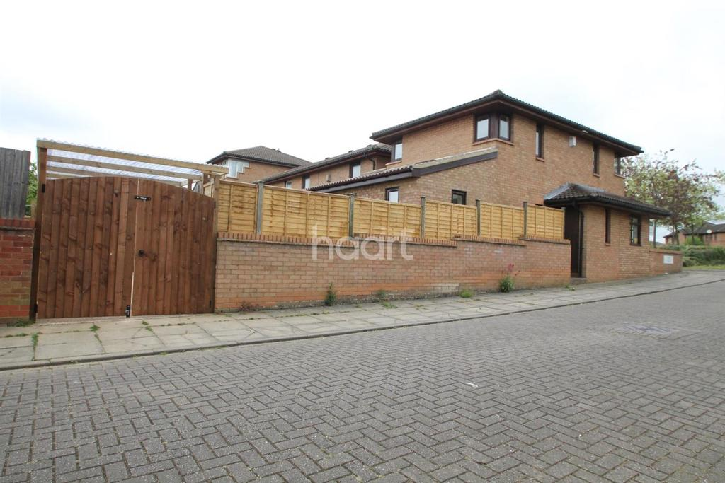 3 Bedrooms Semi Detached House for sale in Oldbrook, Milton Keynes