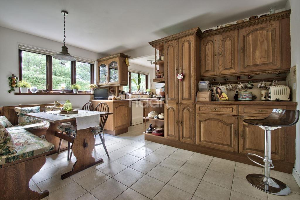 4 Bedrooms Detached House for sale in Longthorpe House Mews, Loder Avenue, South Bretton