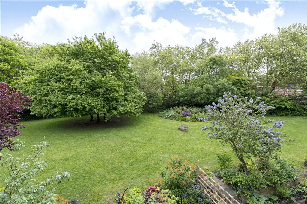 2 Bedrooms Flat for sale in Sutherland Avenue, London, W9
