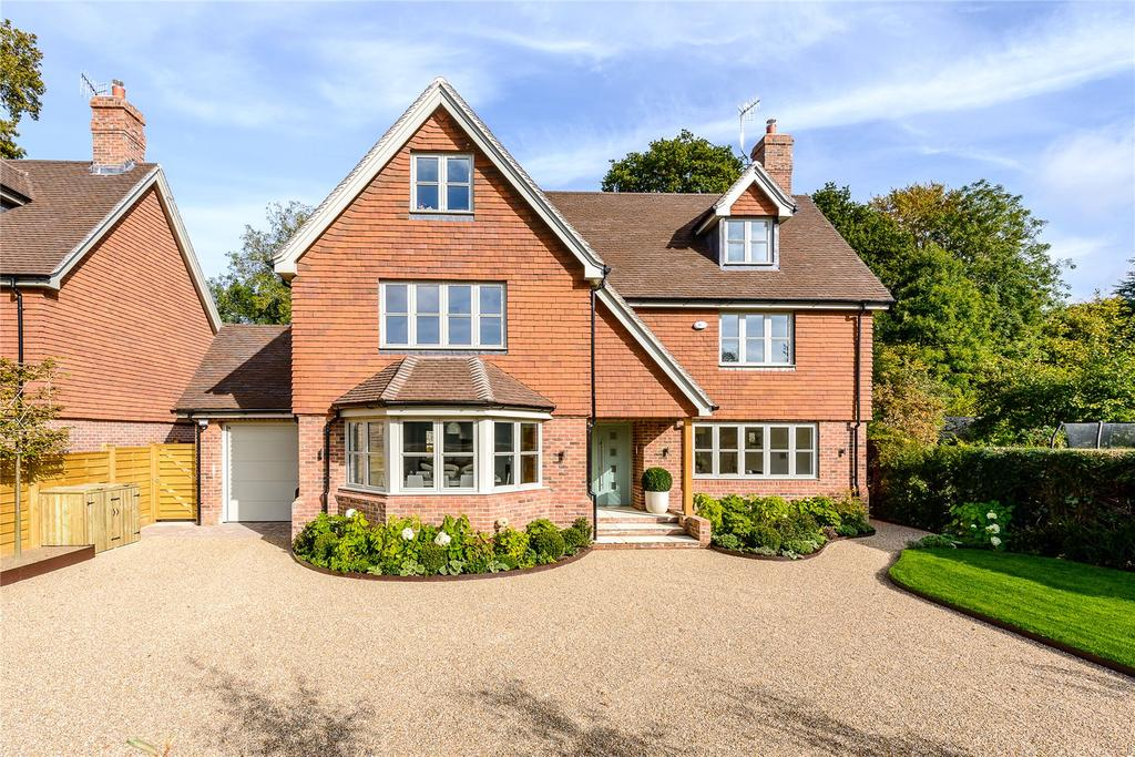 5 Bedrooms Detached House for sale in Merritts Meadow, Petersfield, Hampshire