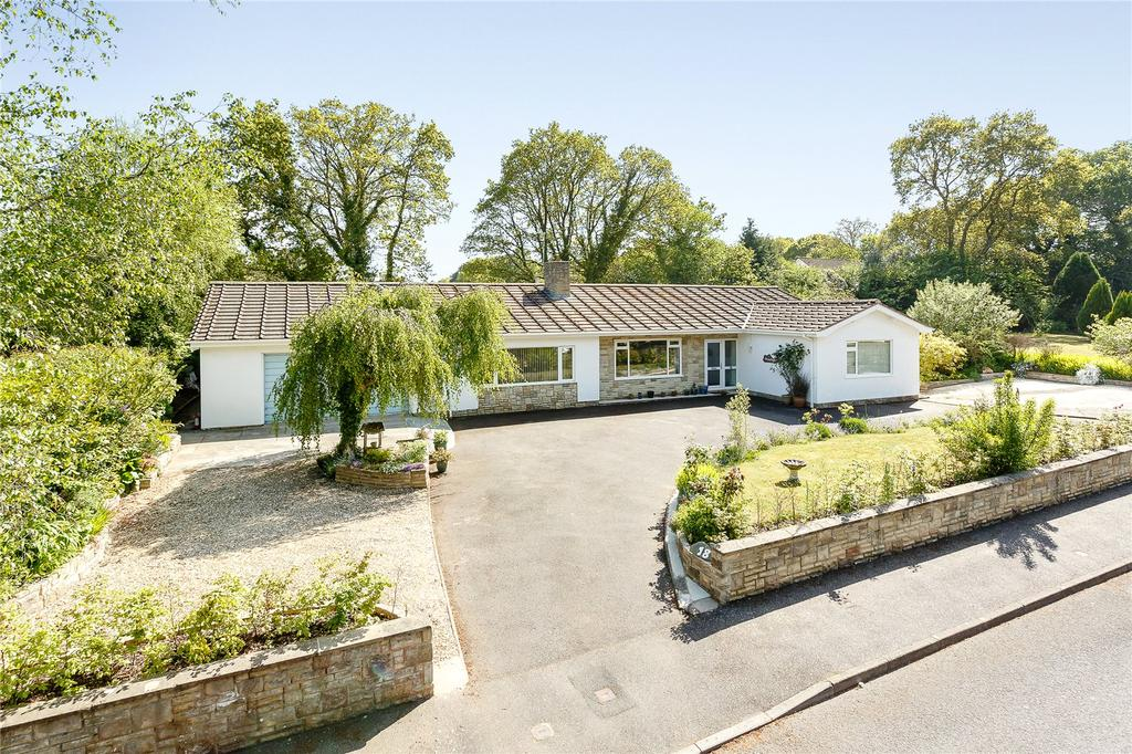 5 Bedrooms Detached Bungalow for sale in High Bank, West Hill, Ottery St. Mary, Devon