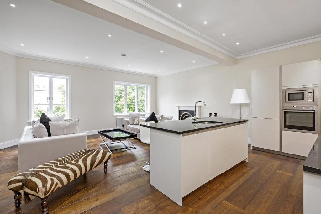 2 Bedrooms Flat for sale in Westbourne Terrace, Bayswater