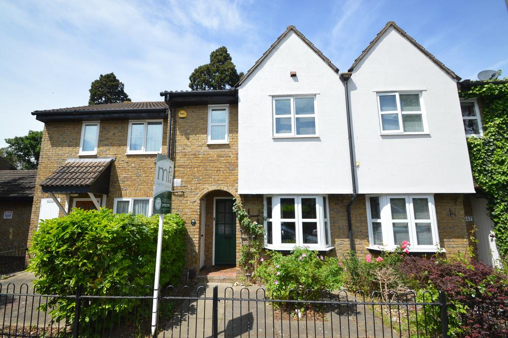 3 Bedrooms Semi Detached House for sale in Churchfield Road, WALTON ON THAMES KT12